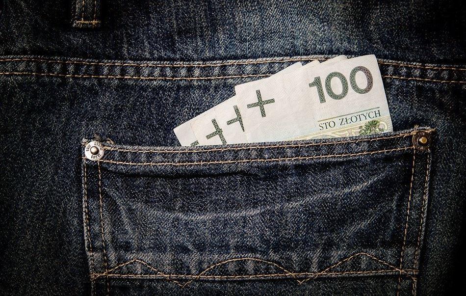 Pieniądze jednak nie dla wszystkich. Ministerstwo podjęło decyzję, wiadomo kto konkretnie dostanie 1000 złotych