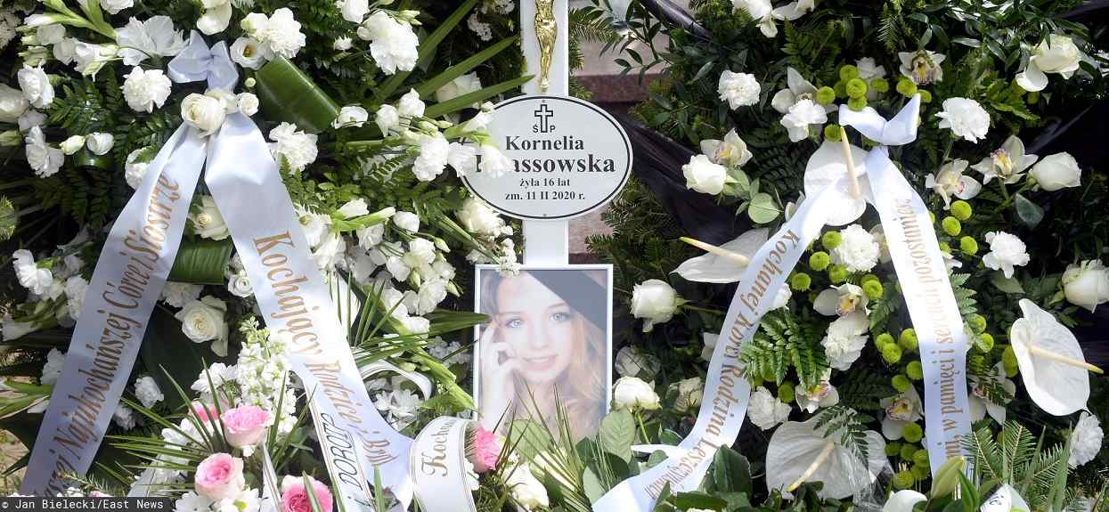 Porażające sceny po pogrzebie 16-letniej Kornelii. Musiała interweniować policja