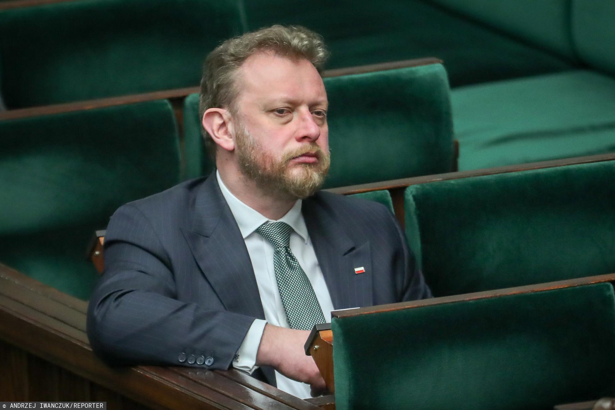 """Łukasz Szumowski: """"Patrzę na polityków w Sejmie i bogatych ludzi nie widziałem"""""""