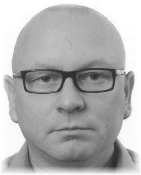 Zaginął 48-letni Adam, od 5 maja nie dał znaku życia. Rodzina i policja proszą o pomoc