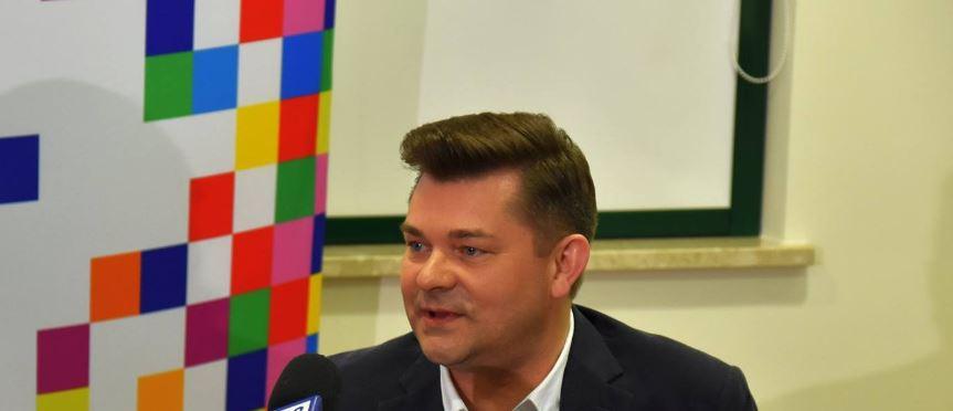 Zenon Martyniuk stracił już nadzieję. Przykre doniesienia mediów o królu disco polo