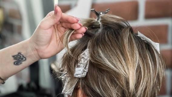 Już od dziś można umawiać się na wizytę u fryzjera