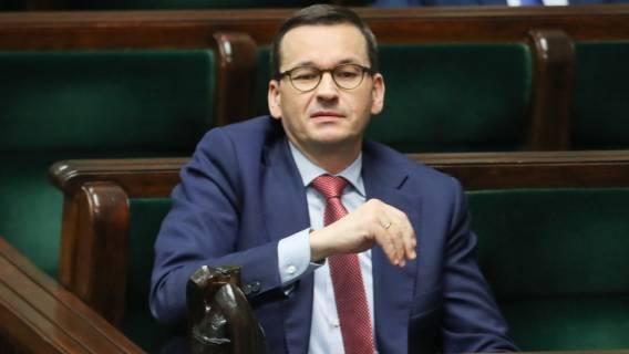Mateusz Morawiecki na spotkaniu sztabu kryzysowego