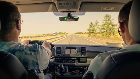 Samochód dla wielu osób jest najlepszym sposobem na przemieszczanie.