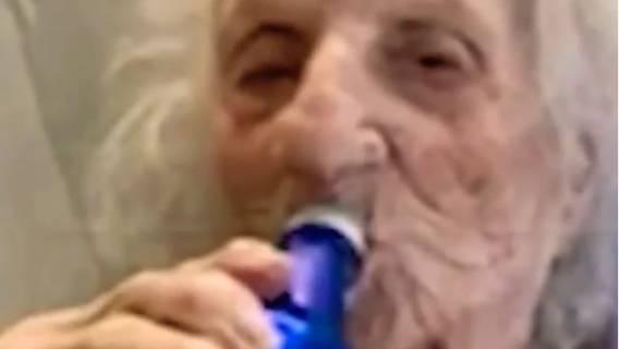 Staruszka pokonała koronawirusa