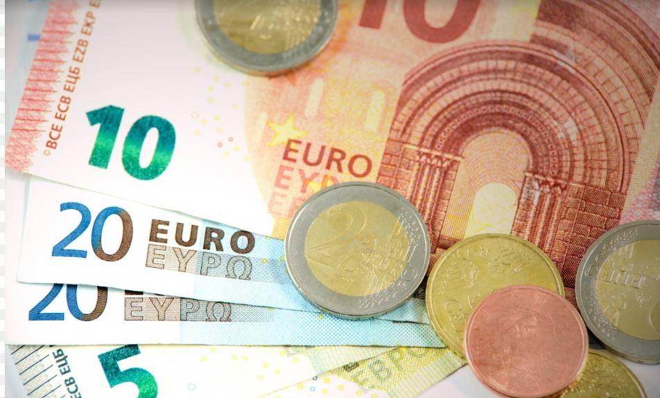 Recesja w Polsce. Emilewicz komentuje prognozy Unii Europejskiej