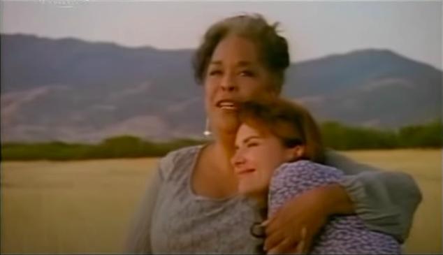 Jedna z najpiękniejszych serialowych przyjaźni. Pamiętacie o jaki anielski serial chodzi?