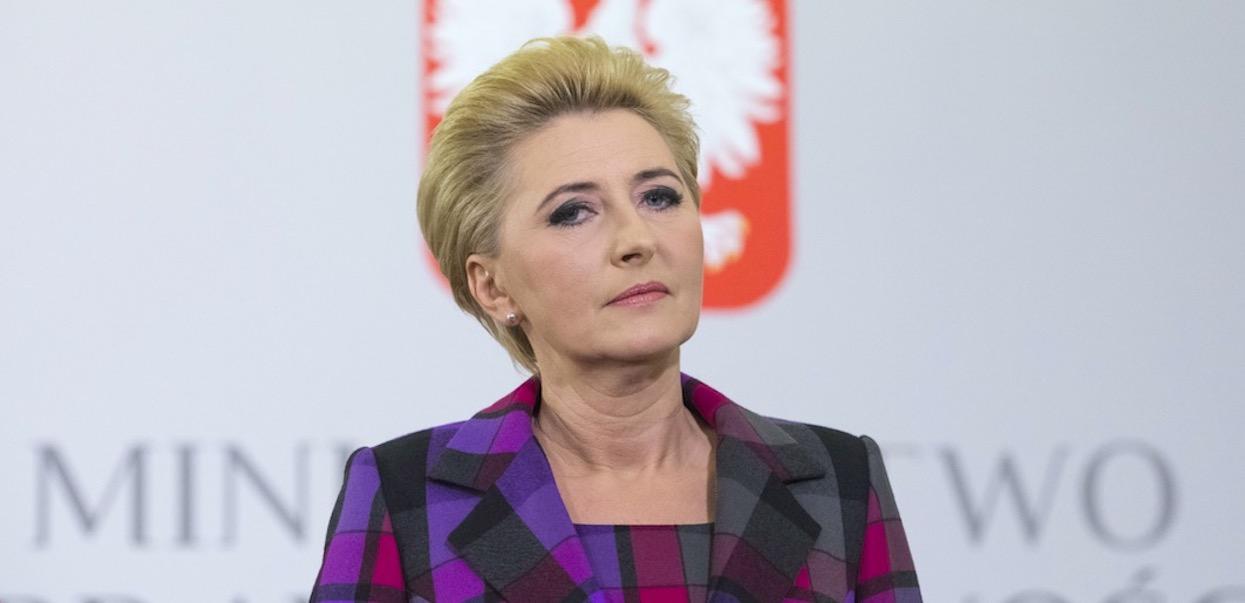 Agata Duda nie mogła nic zrobić, była bezradna. Kancelaria Prezydenta oficjalnie zabrała głos