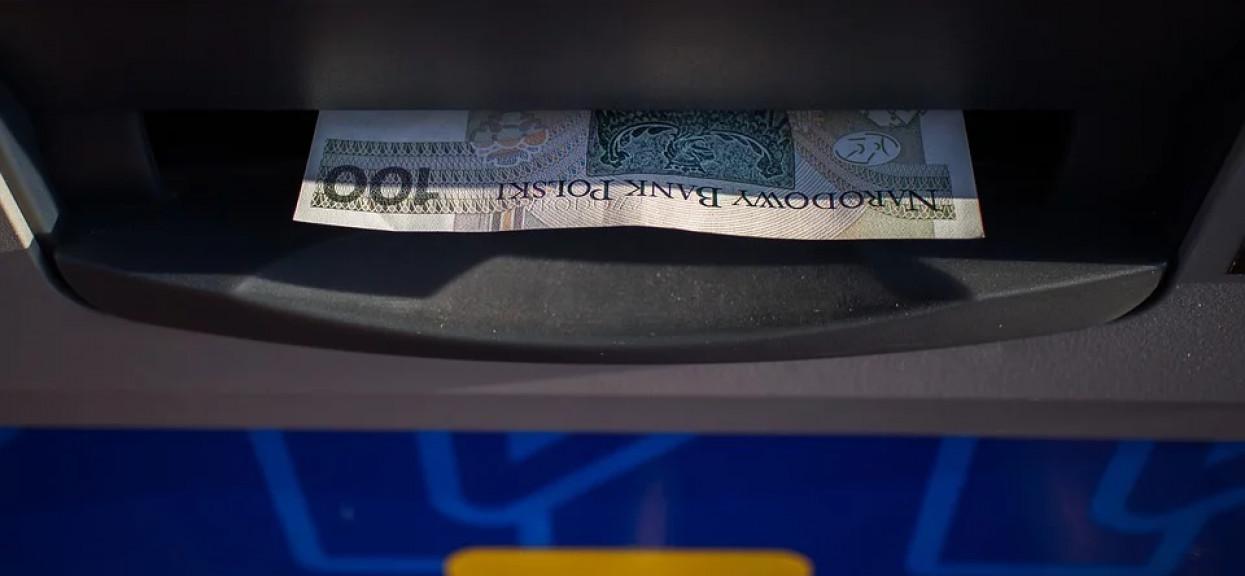 Niepokojące wieści, możesz mieć problem z wypłatą gotówki. Chodzi o konkretne bankomaty
