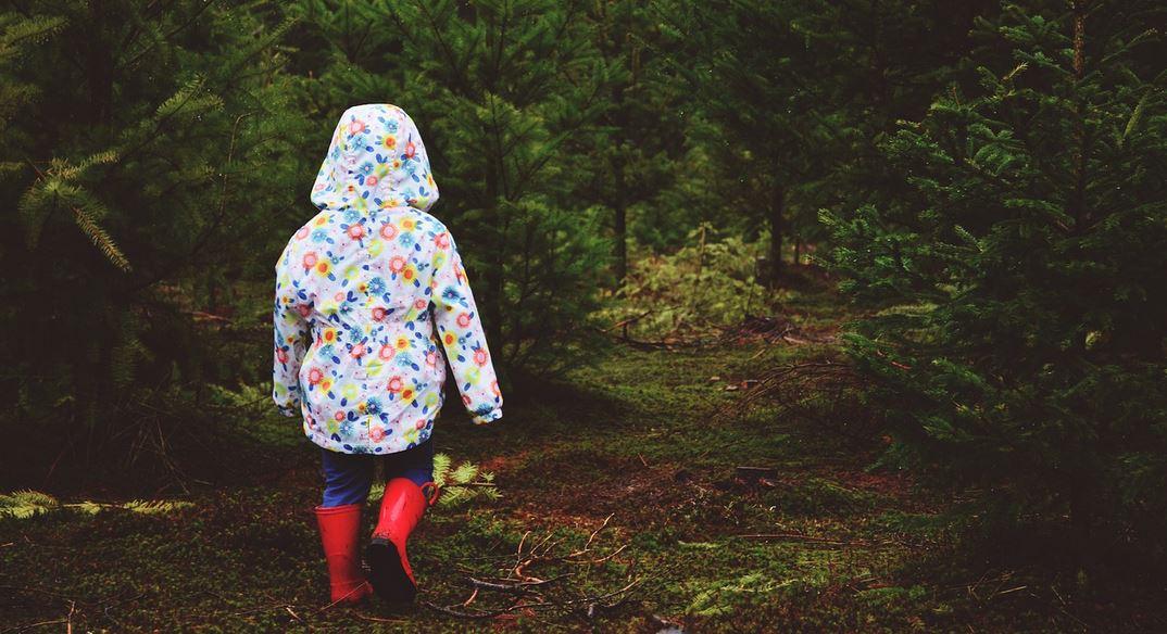 Dramat w samym sercu Polski, matka straciła z oczu córeczkę. Gdy policja ją znalazła, zalała się łzami