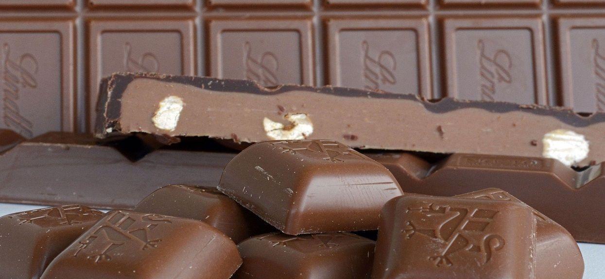 Do sieci trafiły zaskakujące informacje. Wszyscy się mylili, nie przechowuj czekolady w jeden popularny sposób
