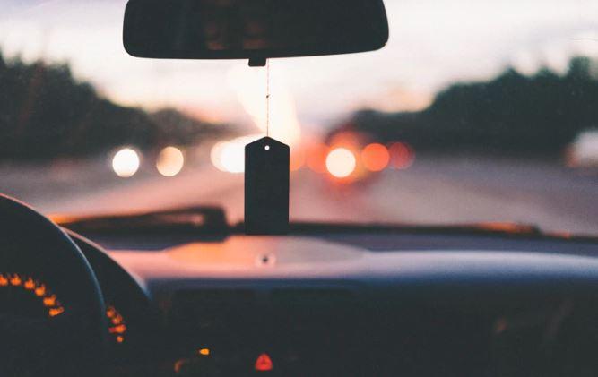 Koniec jeżdżenia z prawem jazdy i tablicami rejestracyjnymi? Ministerstwo szykuje zmiany, dotkną każdego kierowcę