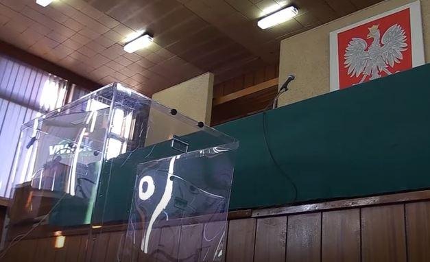 Porażające sceny przed lokalem wyborczym. Potrzebna była natychmiastowa pomoc