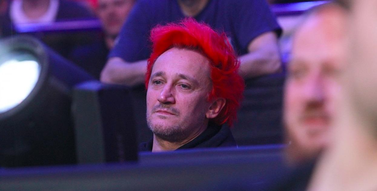Wiśniewski nie wytrzymał, w szale zaczął wykrzykiwać przekleństwa. W sieci pojawiło się nagranie