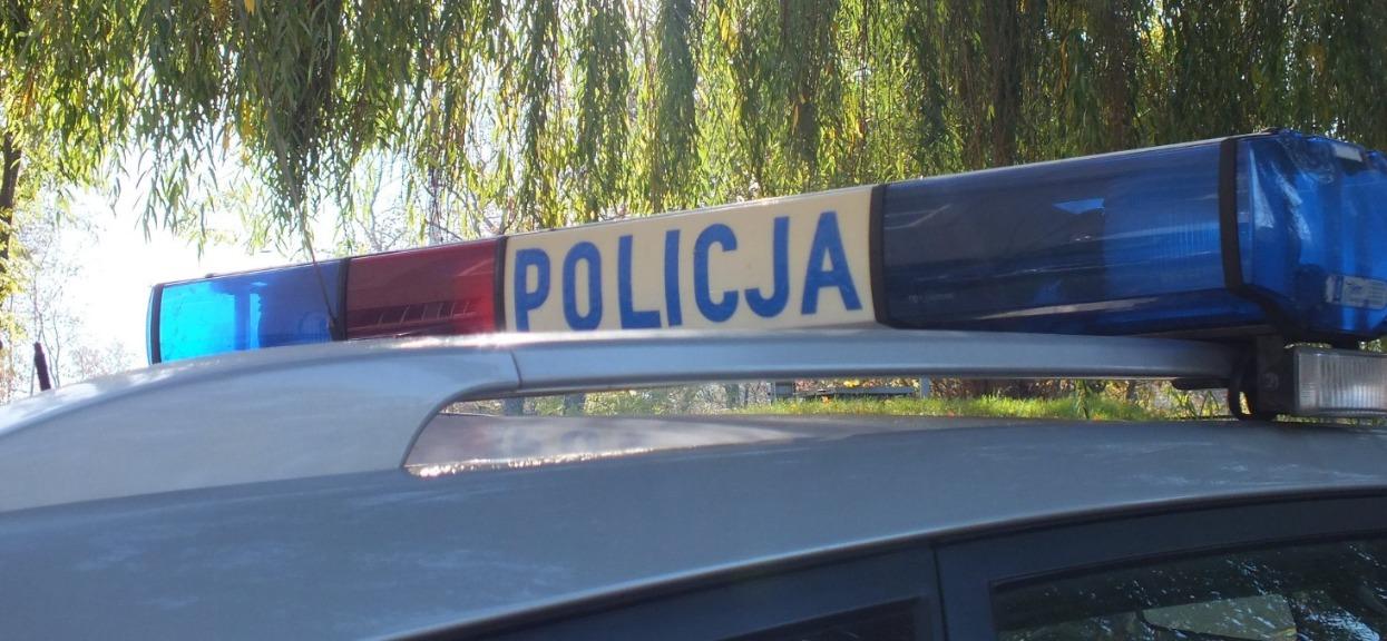 Policja ścigała motocyklistę z prędkością 110 km/h. Niewiarygodny finał pościgu, szczegóły tylko dla ludzi o mocnych nerwach