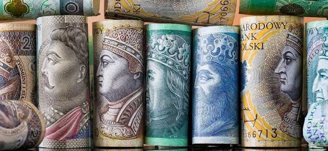 W ubiegłym roku urzędy podległe rządowi rozdały 419 milionów złotych nagród