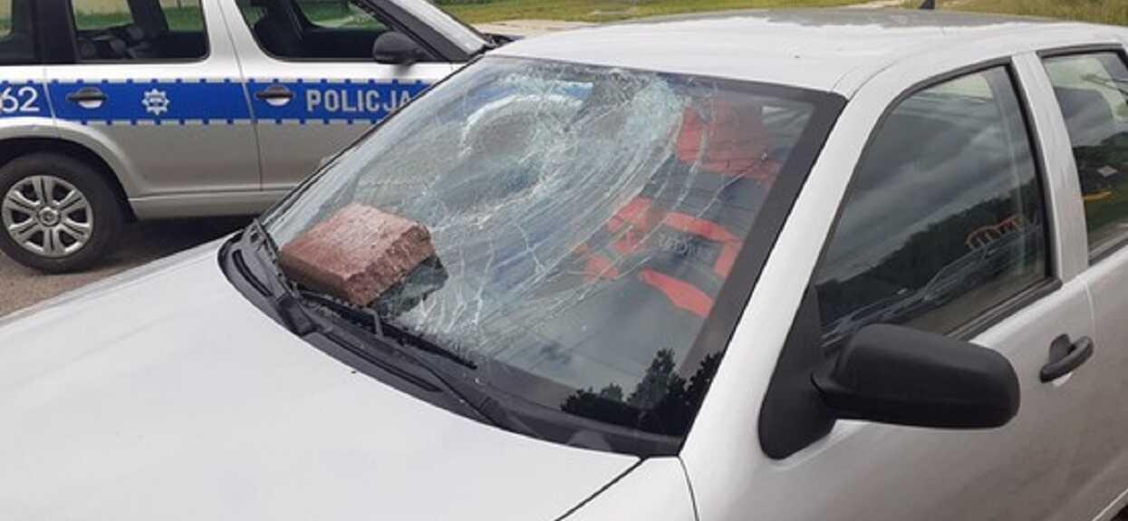 Ratowniczka medyczna pokazała, co sąsiedzi zrobili z jej samochodem. Zostawili porażającą wiadomość, ręce opadają