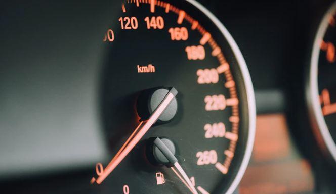 Zniknie najbardziej uciążliwy mandat dla kierowców. Każdemu chociaż raz w życiu zdarzyło się go dostać