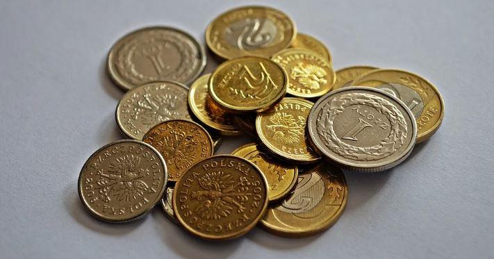 Zajrzyjcie do portfeli, pozornie zwykła złotówka z czasów PRL-u jest warta ogromne pieniądze. Suma zwala z nóg