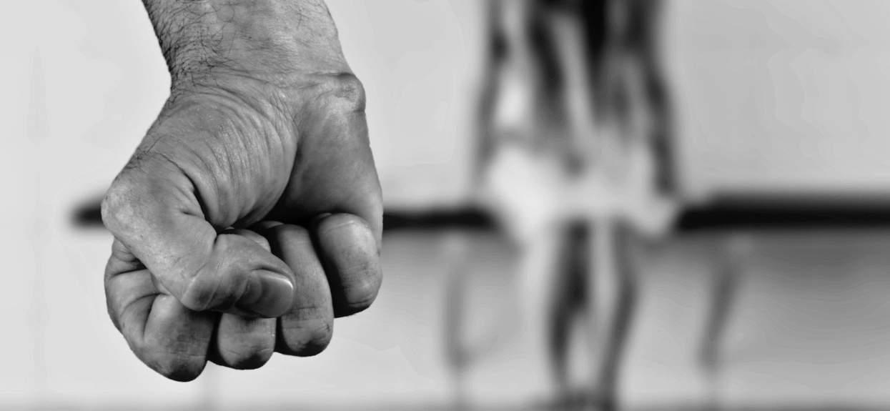 Popieracie znacznie surowsze kary za przemoc domową?