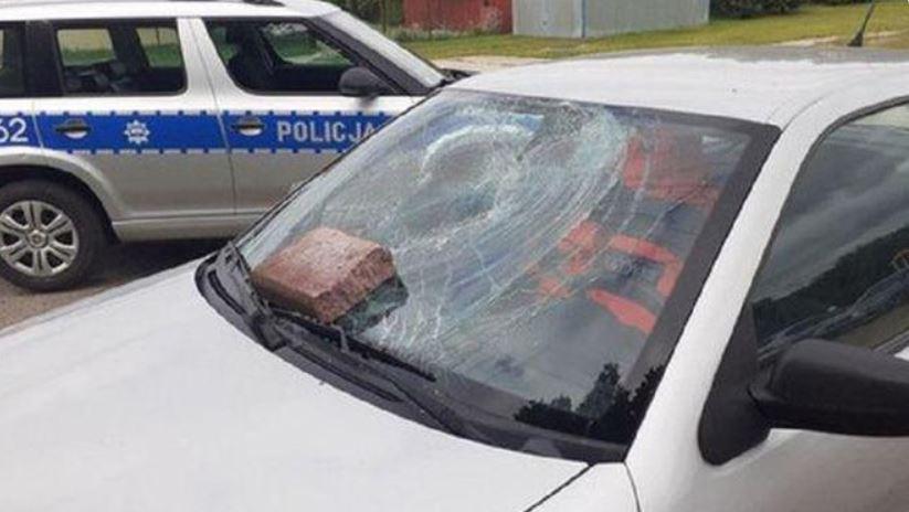 Skandal, zdewastowali samochód ratowniczki medycznej. Powód odbiera wiarę w człowieczeństwo, dodatkowo zostawili niegodziwy list