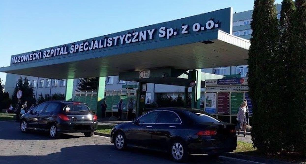 Dramat w polskim mieście. Staruszek dwa dni leżał w krzakach przed szpitalem, zmarł dzień po odnalezieniu