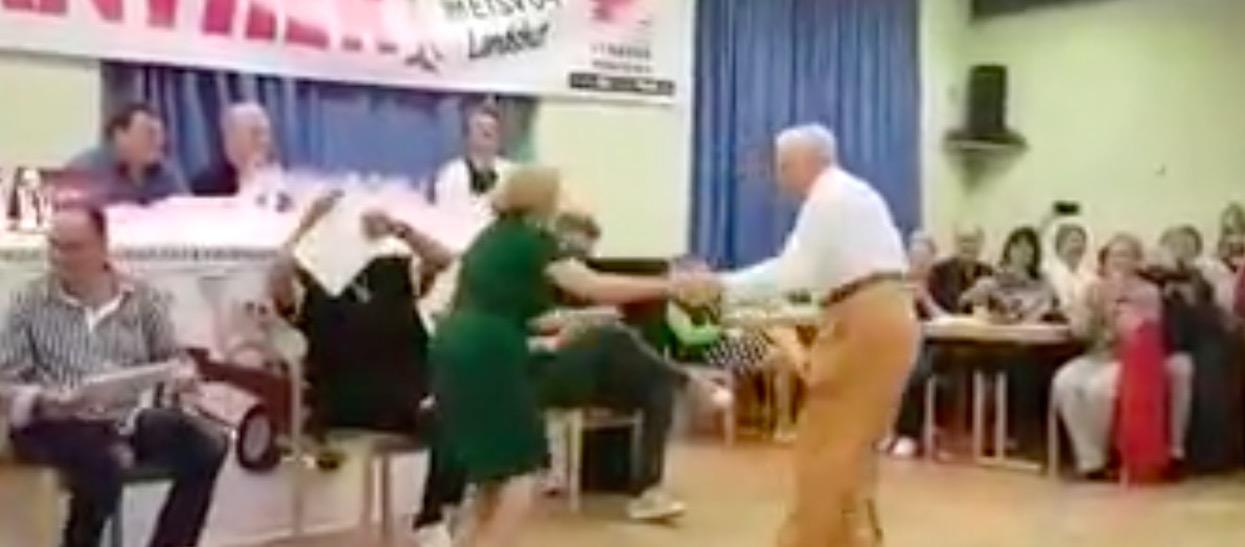 Starszy pan poprosił partnerkę do tańca. Nikt nie mógł spodziewać się scen, które chwilę potem się wydarzyły
