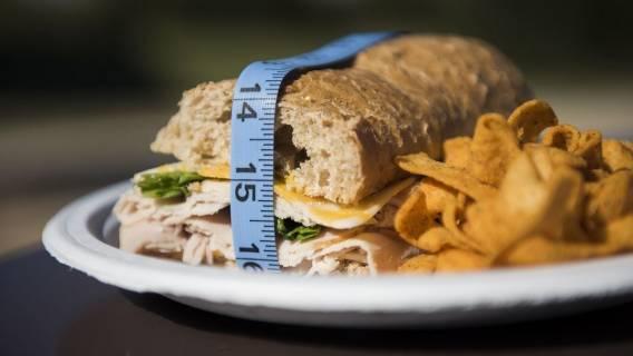 Zaburzenia odżywiania - napadowe jedzenie