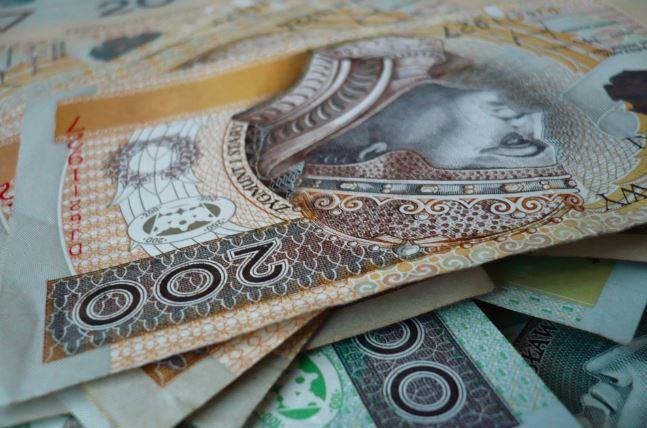 Prezes ZUS się wygadała. Polacy nie dostaną już gotówki z 500 plus?