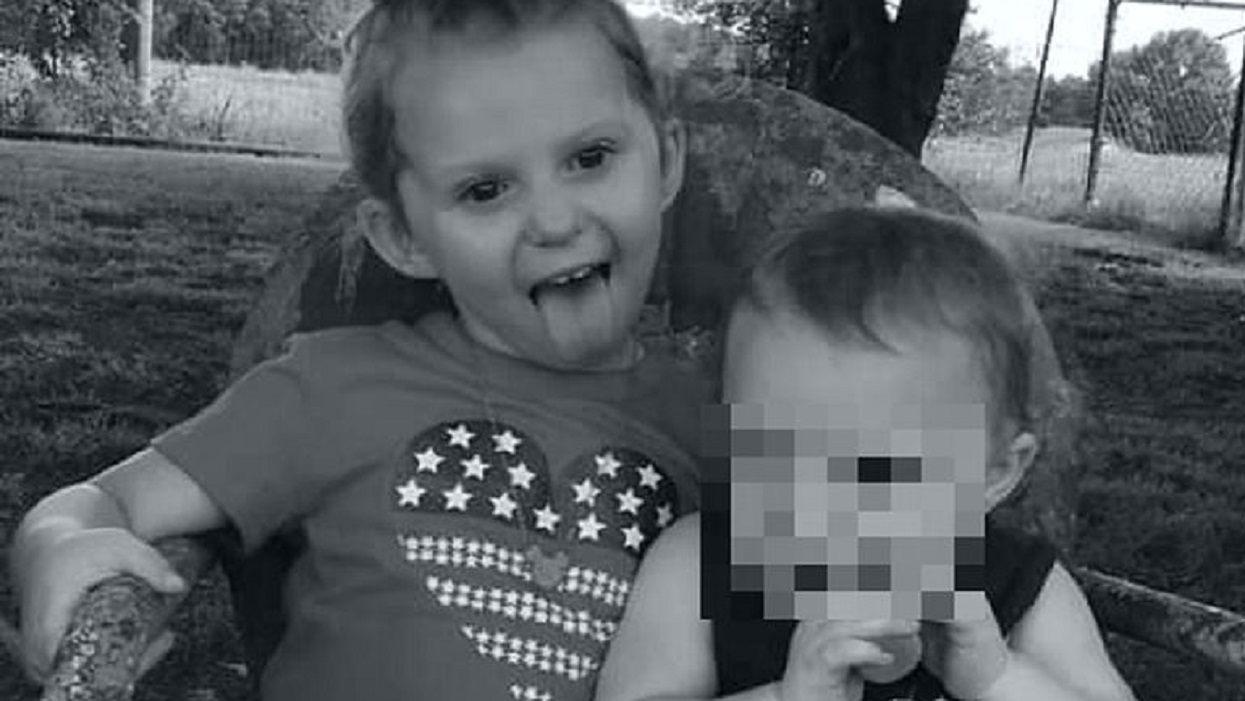 Dziewczynka ze zdjęcia nie żyje, jej siostrzyczka walczy o życie. Ogromny ból, mama była bezradna