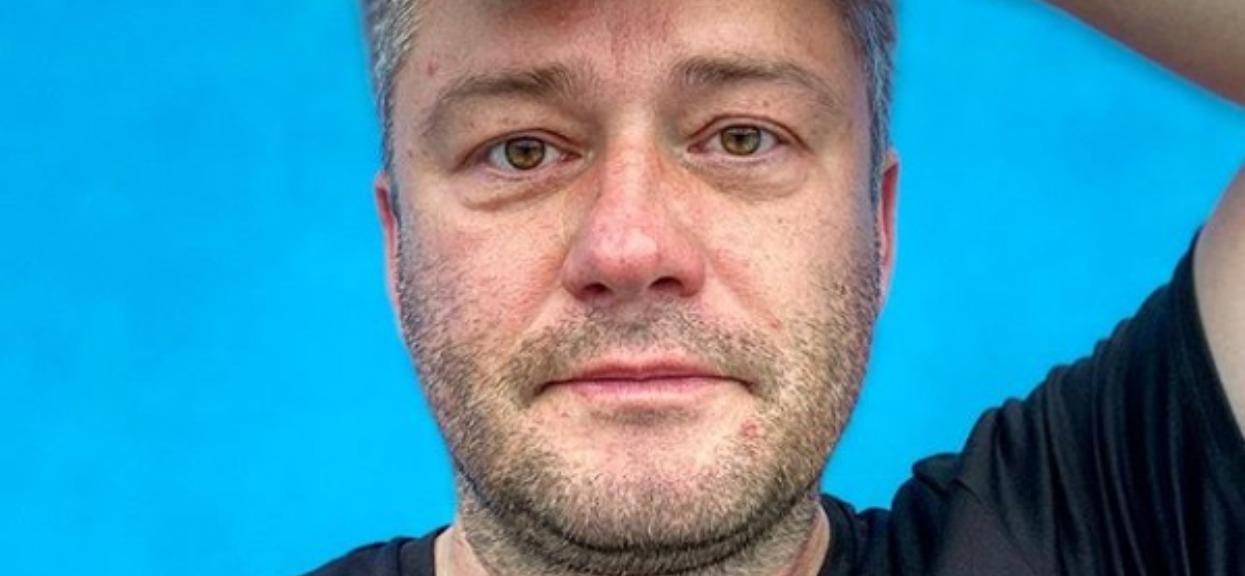 Jarosław Kuźniar trafił do szpitala. Zdjęcie nie pozostawia złudzeń