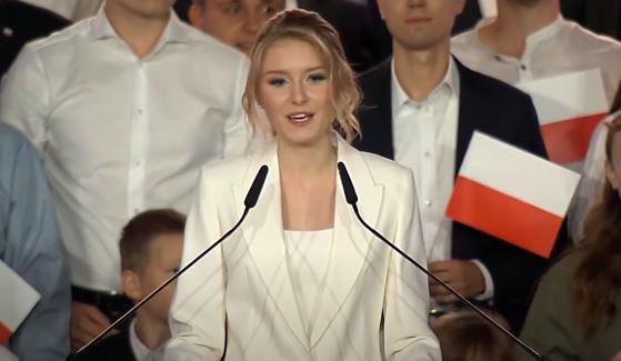 Kinga Duda nie miała innego wyjścia. Ujawniono prawdziwy powód jej powrotu do Polski