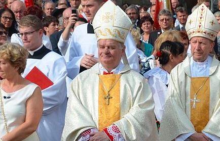 Nie mieści się w głowie, kolejny polski biskup tuszował pedofilię? Watykan bada sprawę
