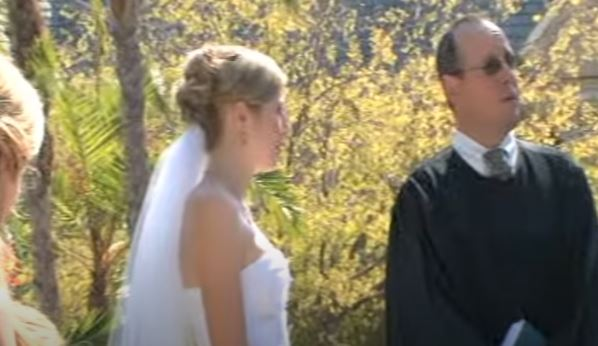 Porażające sceny podczas ślubu. Koniecznie patrzcie na świadka, nie wiadomo, czy śmiać się, czy płakać
