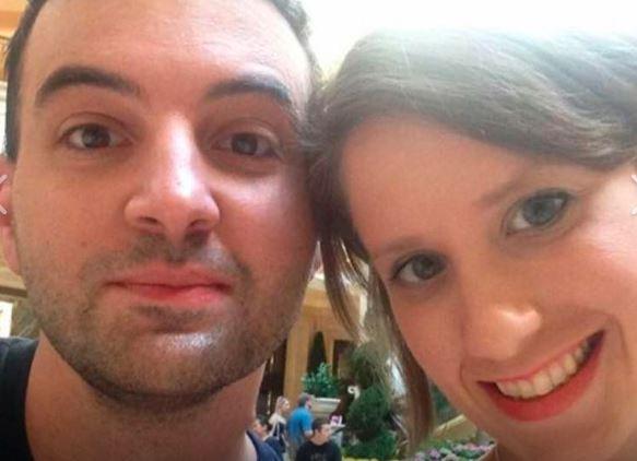 Kobieta umarła 14 dni po ślubie. Kilka dni później wdowiec przypadkiem znalazł w jej telefonie wstrząsające zdjęcie