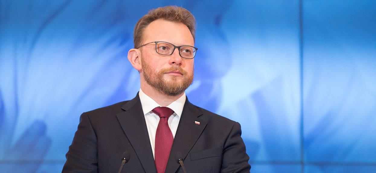Już oficjalne, minister Szumowski zdradził kiedy wróci jeden z uciążliwych nakazów. Prawdopodobieństwo jest realne
