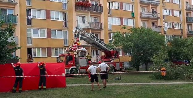 Zatrważające sceny nad Bałtykiem. Pilna ewakuacja 200-kilogramowego mężczyzny