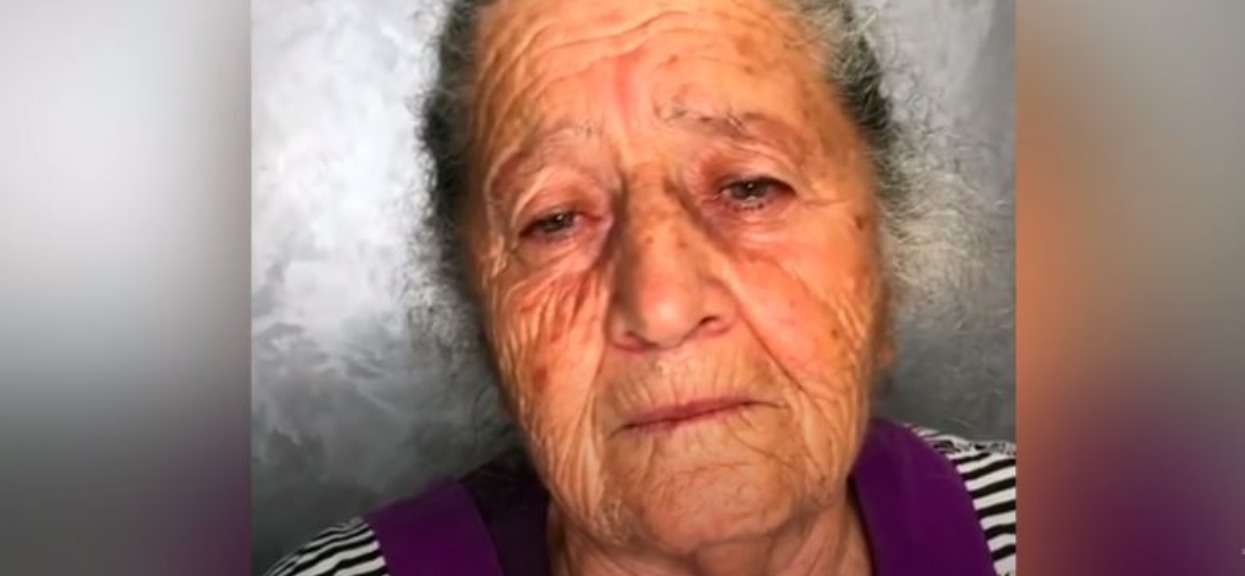 Babcia poprosiła wnuczkę, by zmieniła jej wygląd. Efekt jest nieziemski, odmłodniała kilkadziesiąt lat
