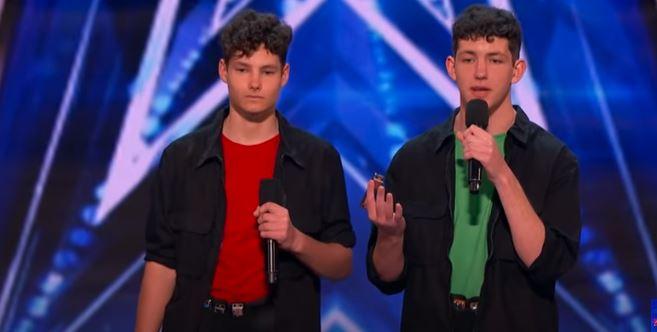 """Kiedy wyszli na scenę """"Mam talent"""" jury myślało, że doszło do pomyłki. Zmienili zdanie, gdy zobaczyli, co chłopcy robią z ustami"""