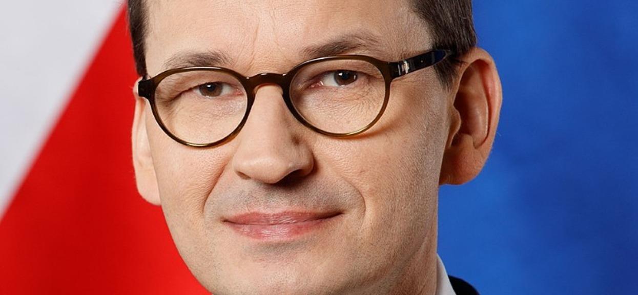 Przyłapali premiera Morawieckiego na romantycznym spotkaniu. Zdjęcia opublikowano w sieci