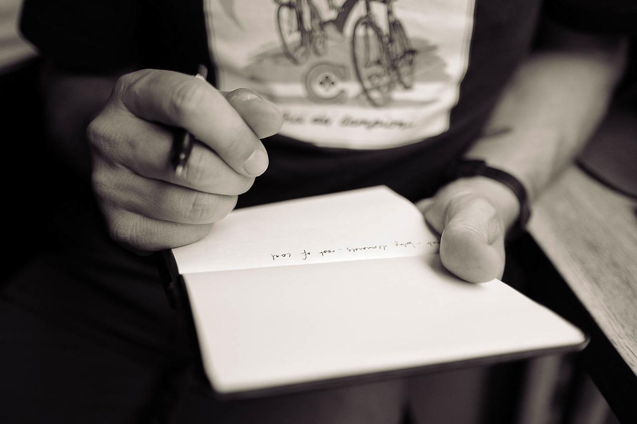 Zrozpaczony mąż po śmierci żony napisał list do innej kobiety. Gdy go przeczytała, nie mogła powstrzymać łez