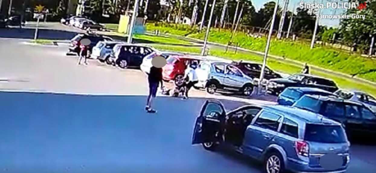 Porażające sceny na sklepowym parkingu. Bili go do skutku, nagranie z monitoringu wywołuje ciarki na plecach