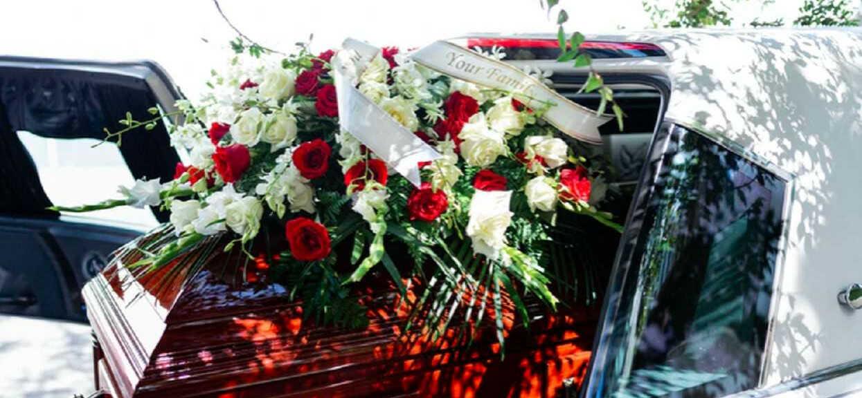 Musieli pilnie przerwać pogrzeb, z trumny dochodziły przeraźliwe dźwięki. Kiedy ją otworzyli, zamarli