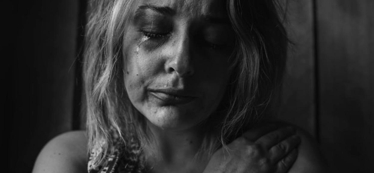 Czy przemoc domowa powinna być poważniej karana?