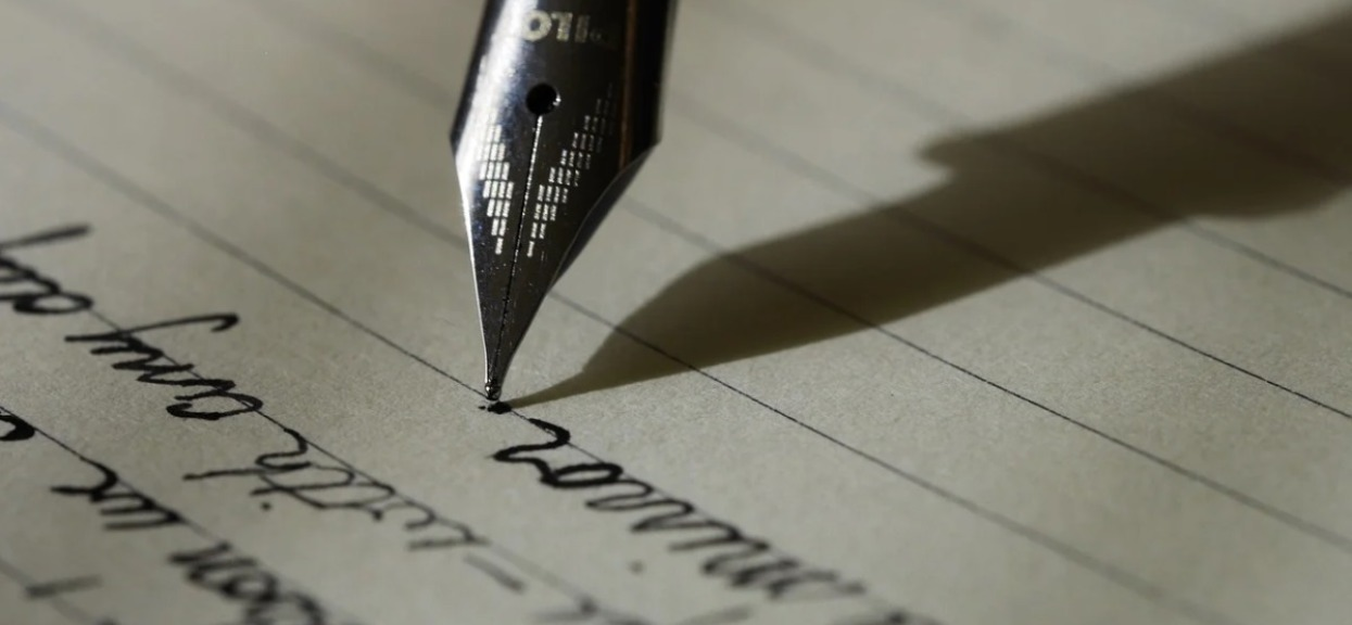 Żona odkryła, że mąż ją zdradza. Napisała do niego list i dołączyła zdjęcie, zapamięta jej zemstę do końca życia