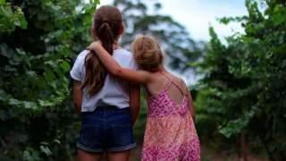 Siostry nagle zniknęły z placu zabaw. Kilka godzin później rodzina dostała nieprawdopodobną wiadomość