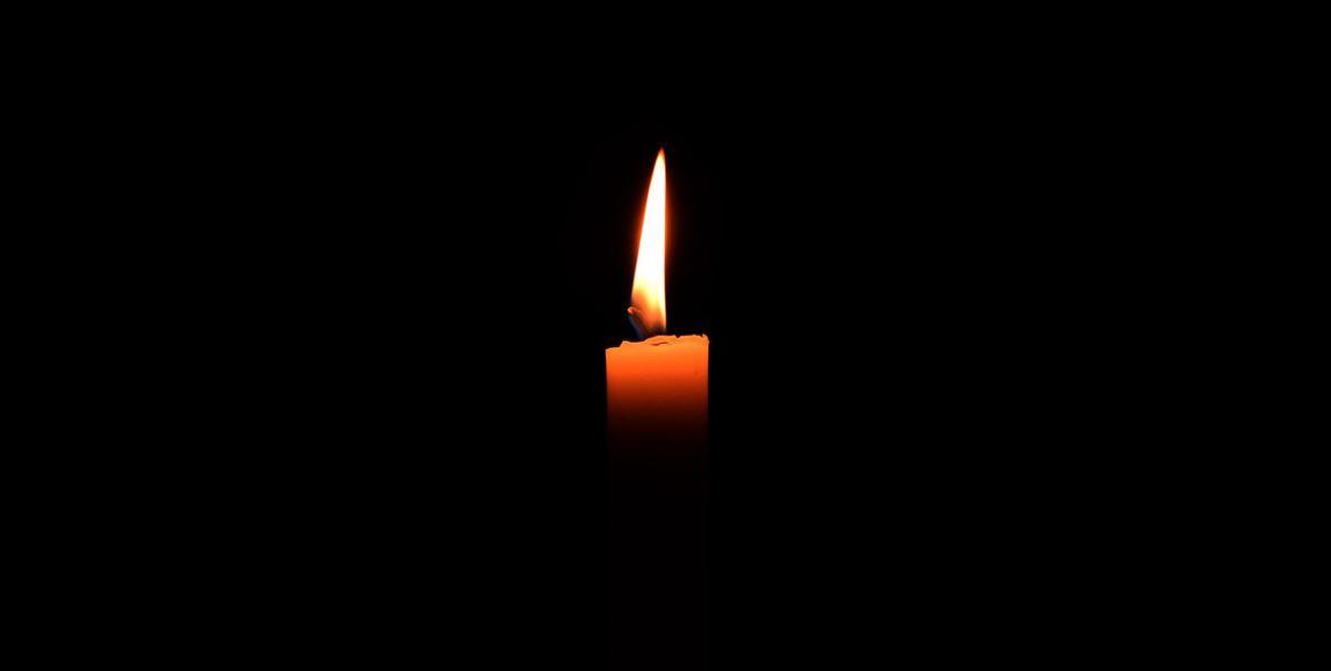 Wielki dramat w polskiej miejscowości. Ciężarna 28-latka zmarła pod szpitalem