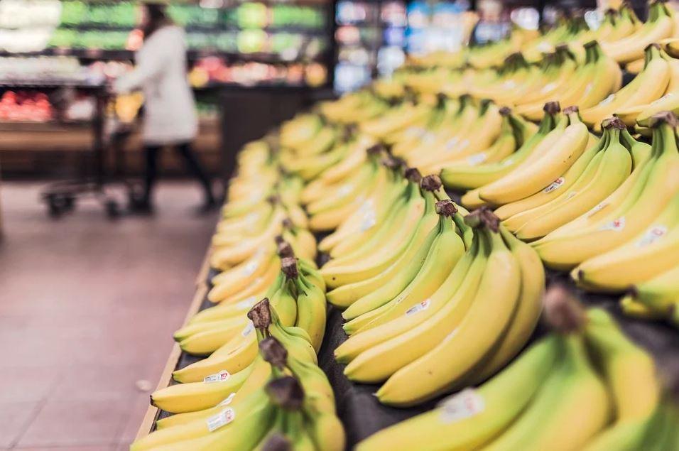 Wstrząsające znalezisko w bananach w Biedronce. Natychmiast interweniowała policja