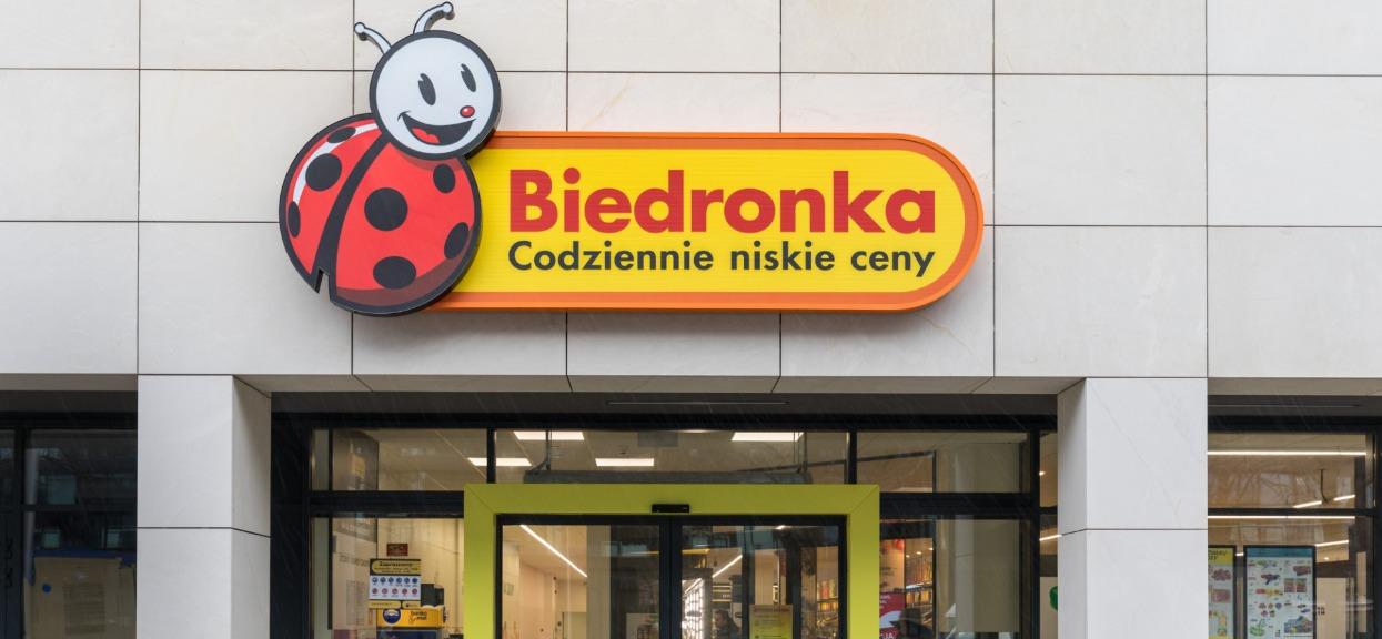 Potwierdzono zakażenia w Biedronce. Sieć sklepów natychmiastowo wydała komunikat