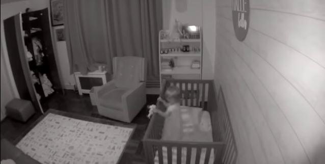 2-letnia córka w nocy zaczęła krzyczeć z rozpaczy. Nagranie z ukrytej kamery ujawniło, kto zbliżał się do jej łóżeczka